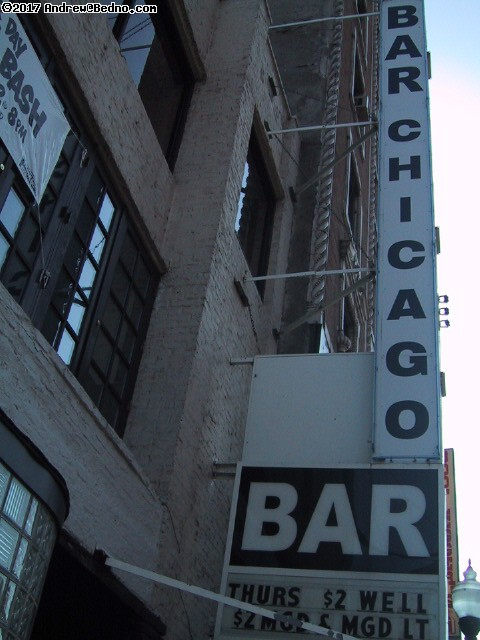 Bar Chicago. (click for next photo)