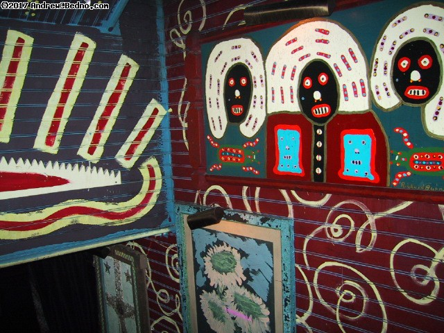 House of Blues: Every inch is cover with exquisite primitive artworks. (click for next photo)