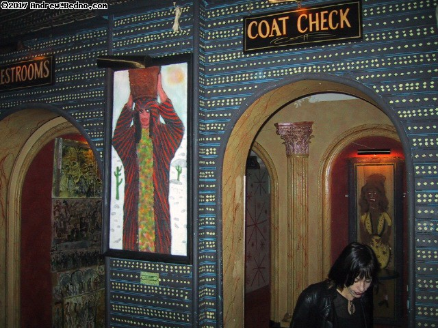 House of Blues: Restrooms, coat check, Kelly. (click for next photo)