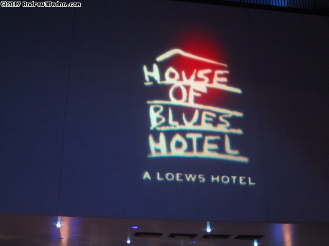 House of Blues: Adjacent hotel.