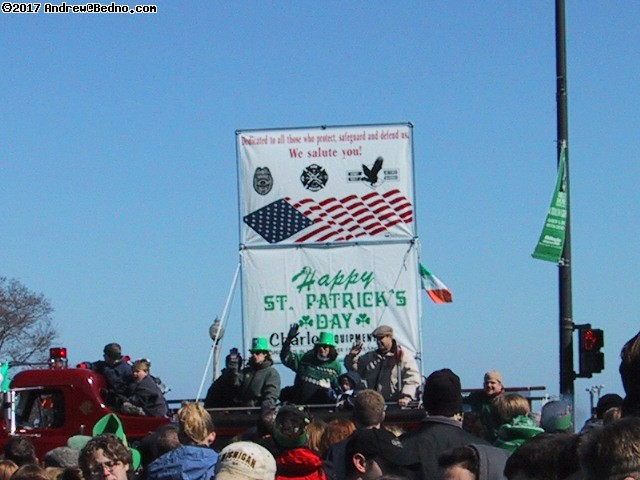 Saint Patrick's Day parade: Heading in. (click for next photo)