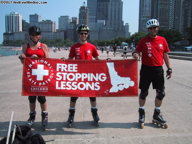 Chicago Skate Patrol stopping lessons, Sat/Sun in summer. (click for next photo)