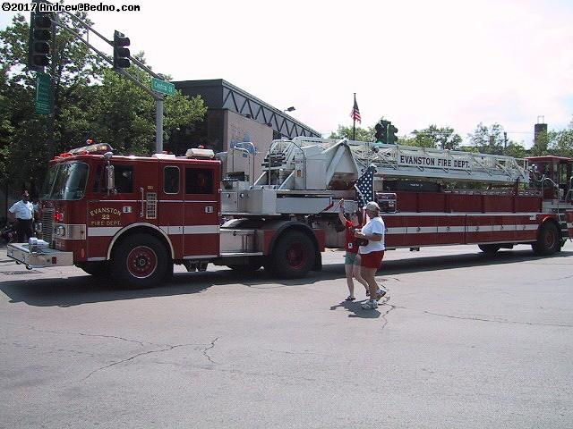 Evanston Independence Day parade: Fire department. (click for next photo)
