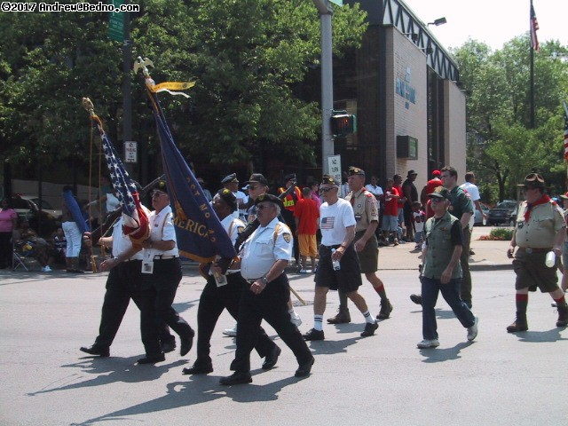Evanston Independence Day parade: Veterans. (click for next photo)