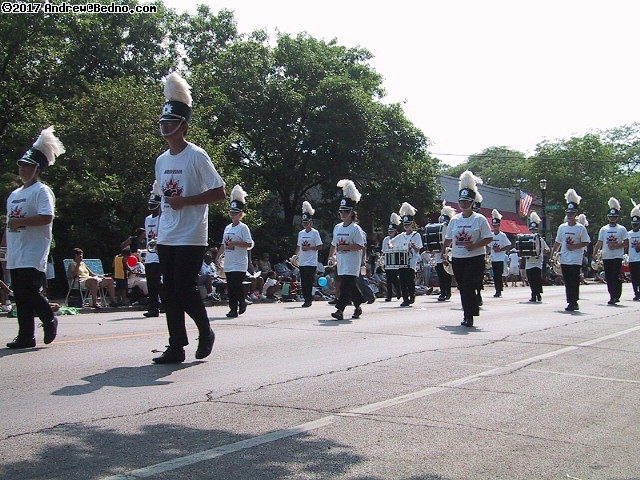 Evanston Independence Day parade: Marching band. (click for next photo)