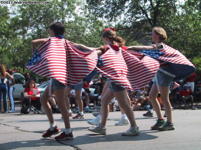 Evanston Independence Day parade: Flag capes. (click for next photo)