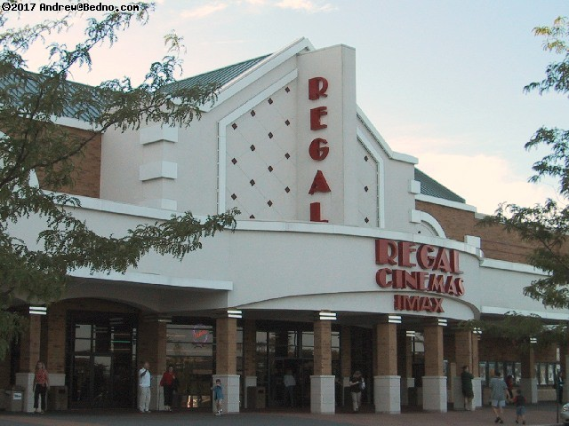 Lincolnshire Regal Cinemas and IMax. (click for next photo)