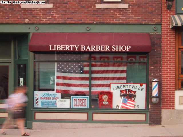 Libertyville barber. (click for next photo)