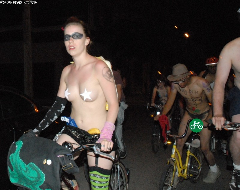World Naked Bike Ride Chicago. (click for next photo)