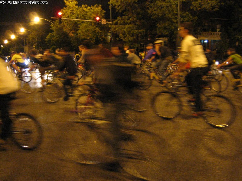 Chicago Critical Mass bike event 10th anniversary (CCMX). (click for next photo)