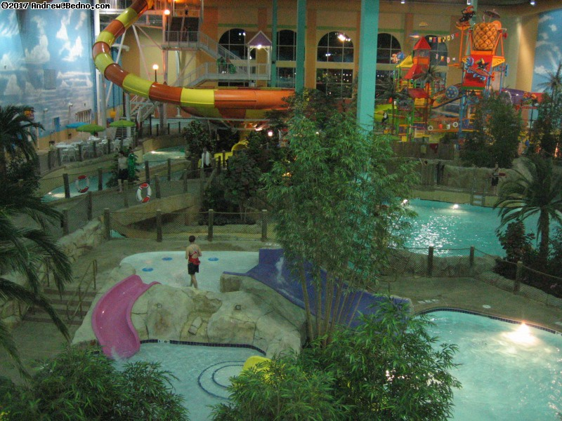Key Lime Cove Water Resort in Gurnee. (click for next photo)