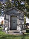 Graceland Cemetery: Mausoleum. Macarthur. (click to zoom)