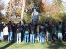 Graceland Cemetery: Tour group. (click to zoom)