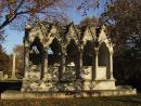 Graceland Cemetery: Gazebo. (click to zoom)