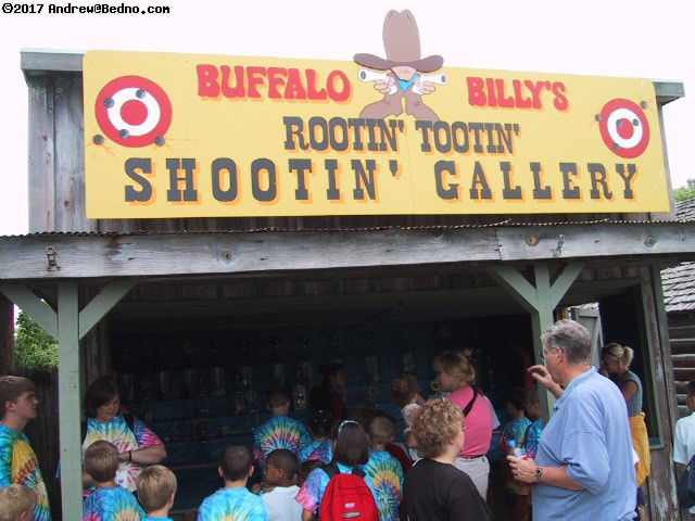 Donley's Wild West Town: Shooting gallery.