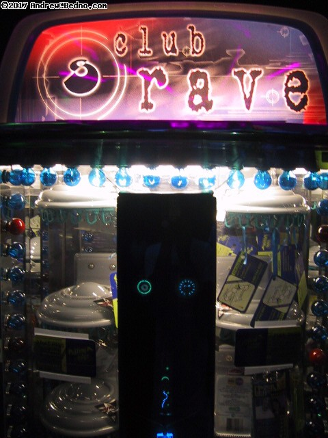 Putting Edge: Raver toys vending machine.