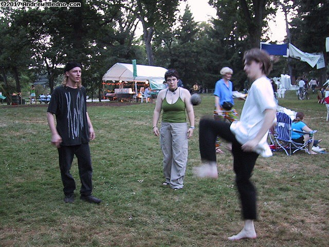 Shakespeare on the Green: Hacky-Sack. (click for next photo)