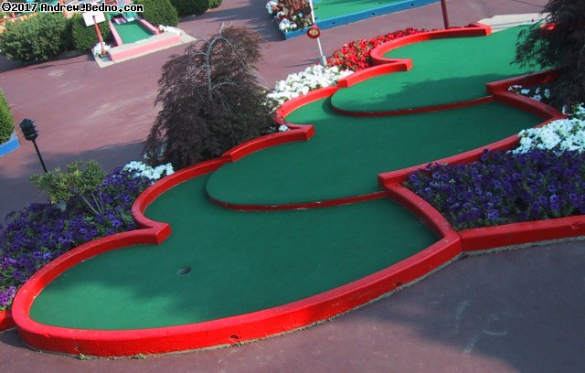 Par-King Miniature Golf. (click for next photo)