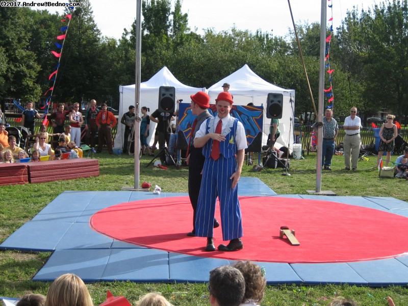 Midnight Circus performing. (click for next photo)